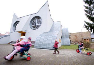 Desain Bangunan Sekolah Berbentuk Kucing